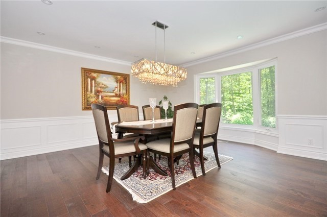 Detached at 70 High Oak Tr, Richmond Hill, Ontario. Image 3