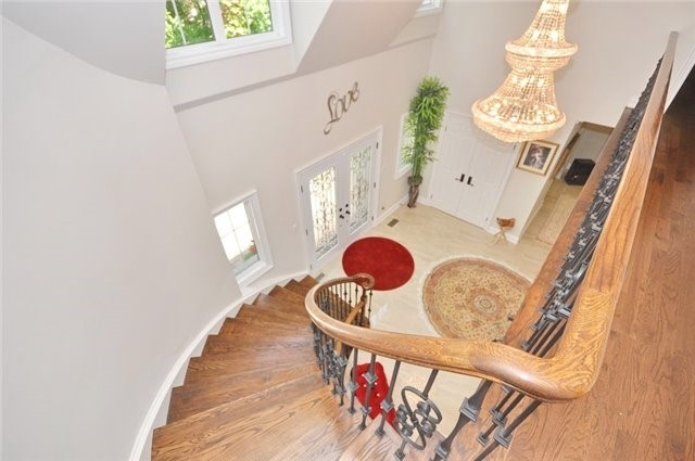 Detached at 70 High Oak Tr, Richmond Hill, Ontario. Image 10