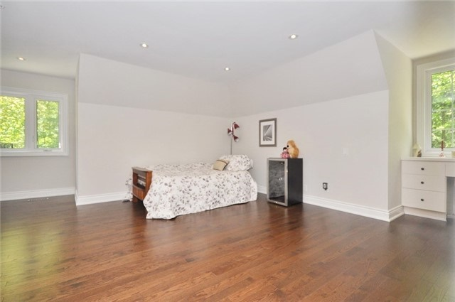 Detached at 70 High Oak Tr, Richmond Hill, Ontario. Image 11