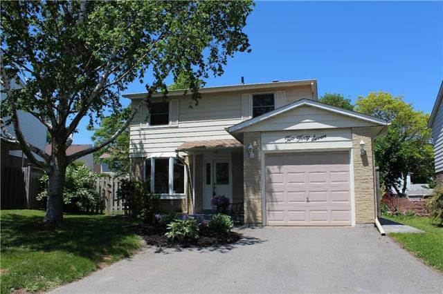 Detached at 247 Robinson Dr, Newmarket, Ontario. Image 1