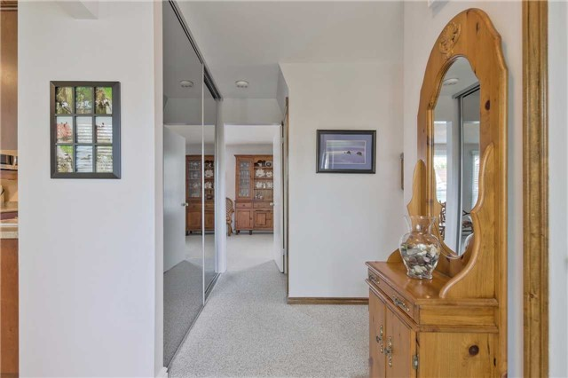 Detached at 247 Robinson Dr, Newmarket, Ontario. Image 15