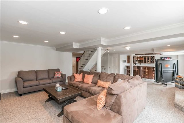 Detached at 95 Kilkenny Tr, Bradford West Gwillimbury, Ontario. Image 11