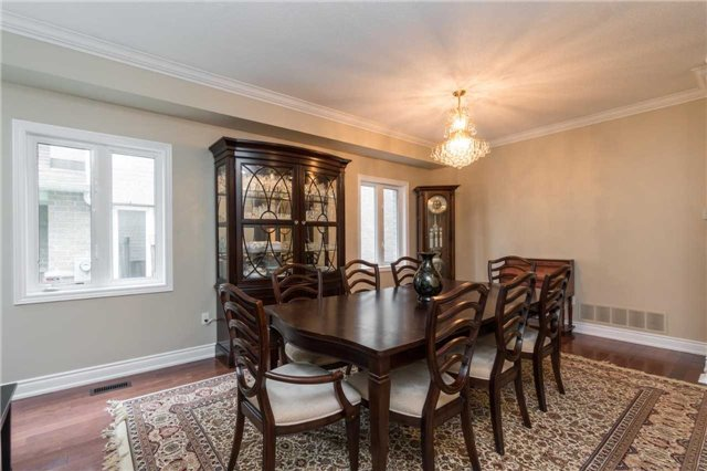 Detached at 164 Stave Cres, Richmond Hill, Ontario. Image 12