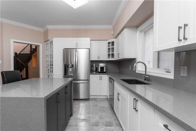 Detached at 164 Stave Cres, Richmond Hill, Ontario. Image 15