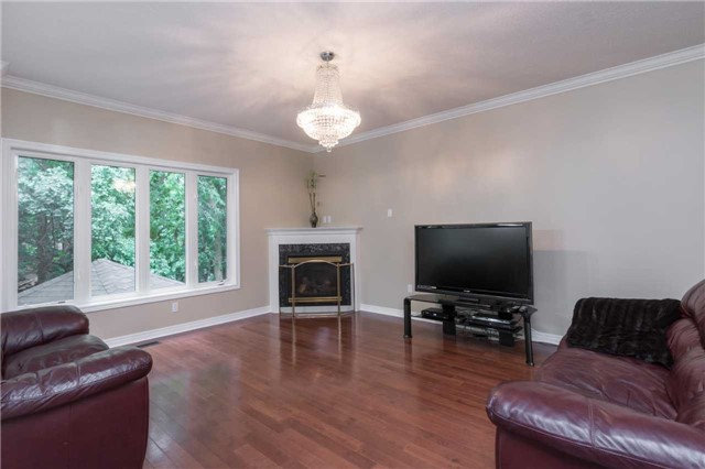 Detached at 164 Stave Cres, Richmond Hill, Ontario. Image 16