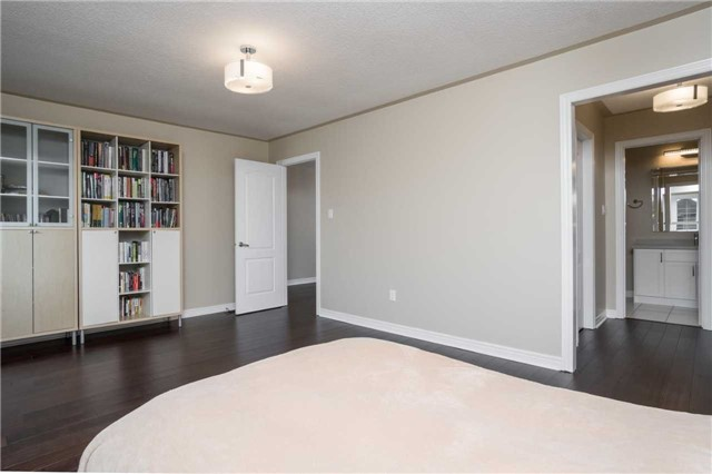 Detached at 164 Stave Cres, Richmond Hill, Ontario. Image 18