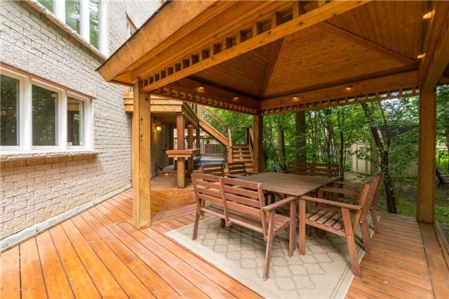 Detached at 164 Stave Cres, Richmond Hill, Ontario. Image 9