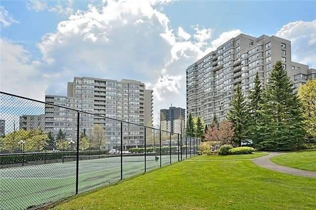 Condo Apartment at 7 Townsgate Dr, Unit 1502, Vaughan, Ontario. Image 1