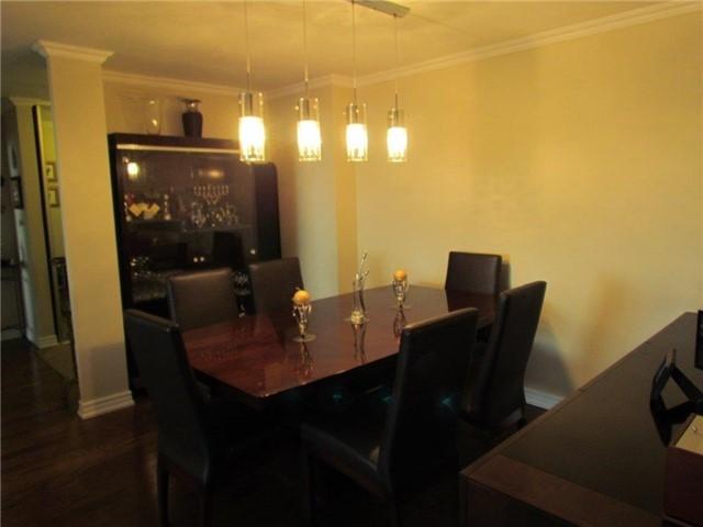 Condo Apartment at 7 Townsgate Dr, Unit 1502, Vaughan, Ontario. Image 11