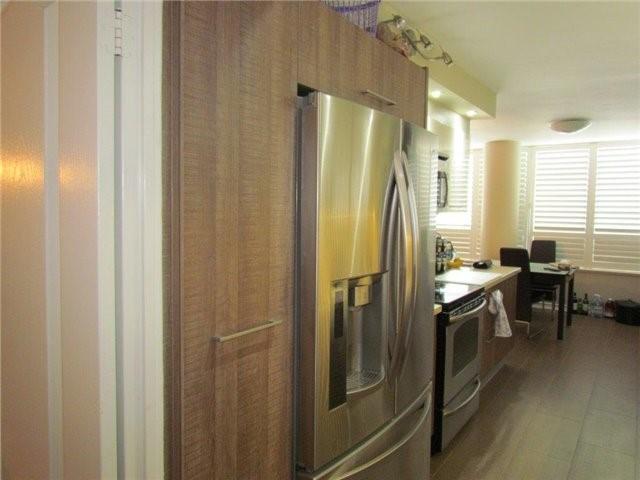Condo Apartment at 7 Townsgate Dr, Unit 1502, Vaughan, Ontario. Image 15