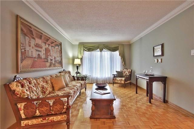 Detached at 142 Longhouse St, Vaughan, Ontario. Image 14