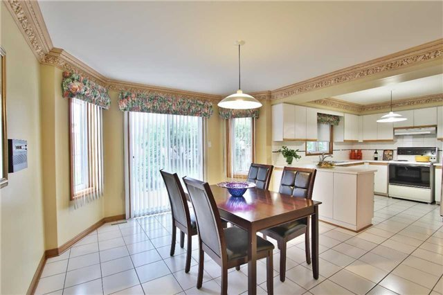 Detached at 142 Longhouse St, Vaughan, Ontario. Image 15