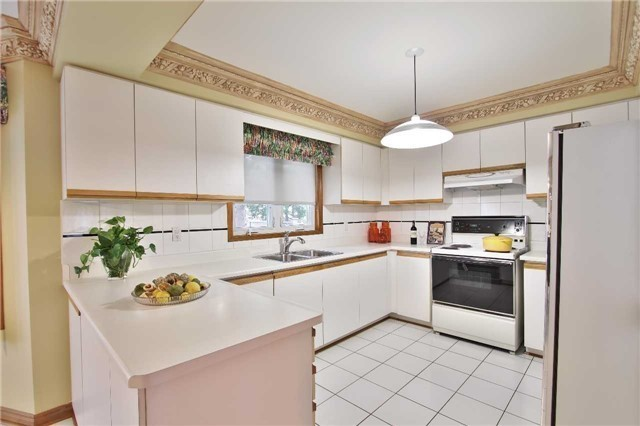 Detached at 142 Longhouse St, Vaughan, Ontario. Image 16