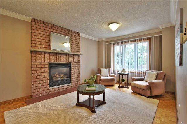 Detached at 142 Longhouse St, Vaughan, Ontario. Image 19