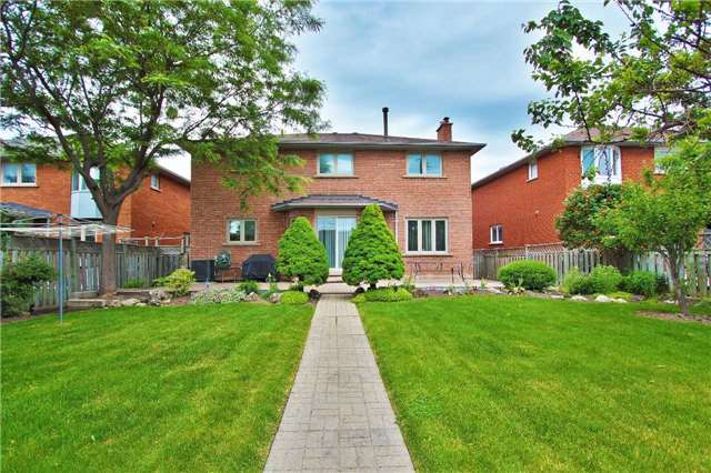 Detached at 142 Longhouse St, Vaughan, Ontario. Image 11