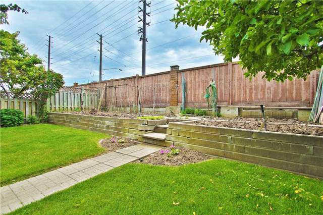 Detached at 142 Longhouse St, Vaughan, Ontario. Image 13