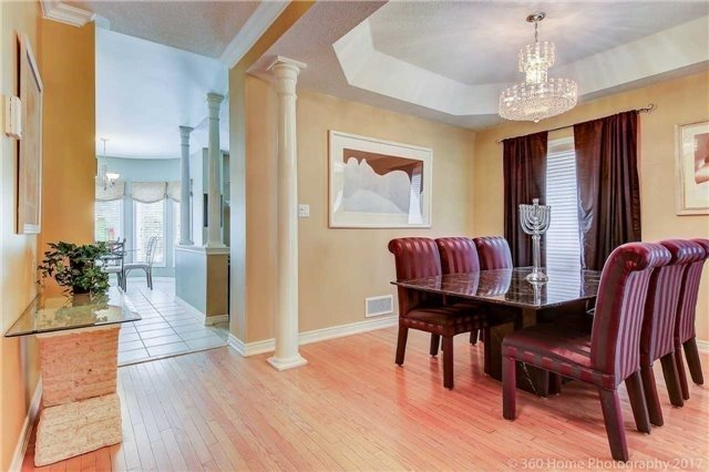 Detached at 14 Bel Canto Cres, Richmond Hill, Ontario. Image 17