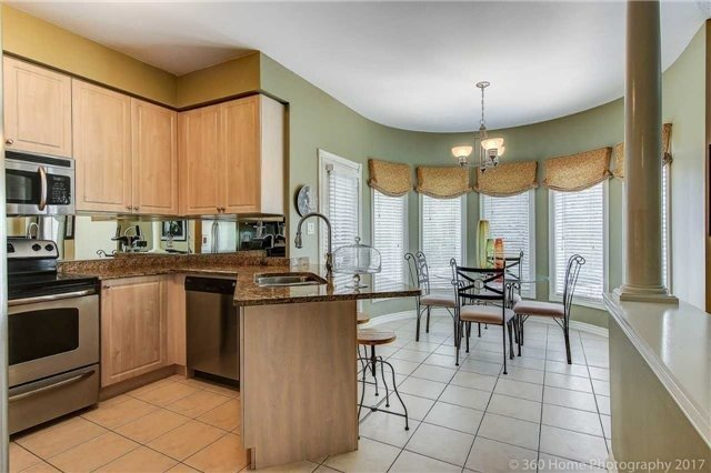 Detached at 14 Bel Canto Cres, Richmond Hill, Ontario. Image 18