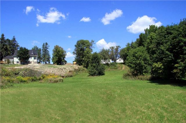 Detached at 555 Wellington St W, Aurora, Ontario. Image 9