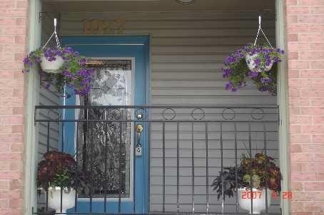 Condo Townhouse at 75 Weldrick Rd E, Unit 1027, Richmond Hill, Ontario. Image 1