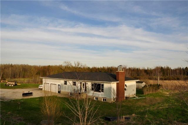 Detached at 2891 Innisfil Beach Rd, Innisfil, Ontario. Image 2