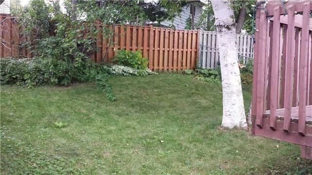 Detached at 411 Sandford St, Newmarket, Ontario. Image 7