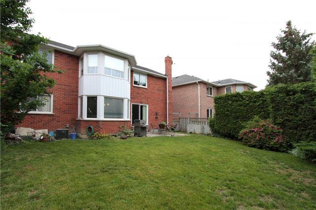 Detached at 47 Murdock Ave, Aurora, Ontario. Image 13