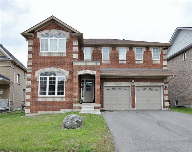 Detached at 1361 Hunter St, Innisfil, Ontario. Image 1