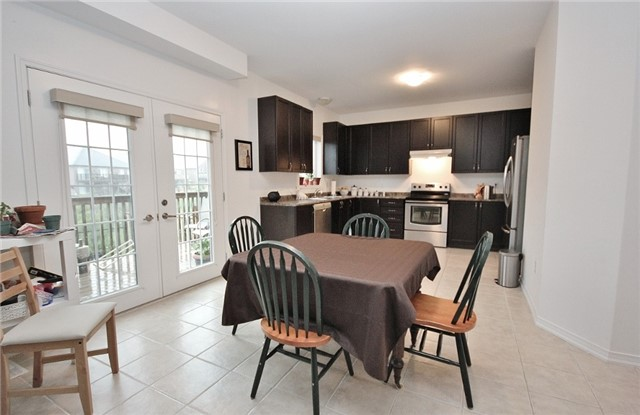 Detached at 1361 Hunter St, Innisfil, Ontario. Image 16