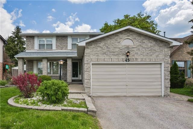 Detached at 43 Carlson Dr, Newmarket, Ontario. Image 1