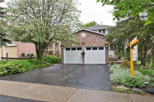 Detached at 216 Orchard Heights Blvd, Aurora, Ontario. Image 1