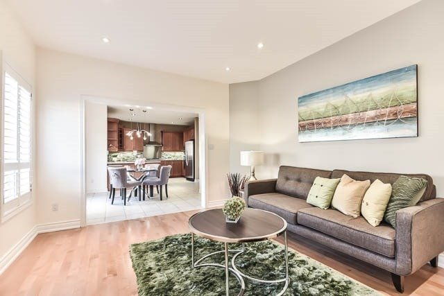 Detached at 133 Orchard Hill Blvd, Markham, Ontario. Image 20