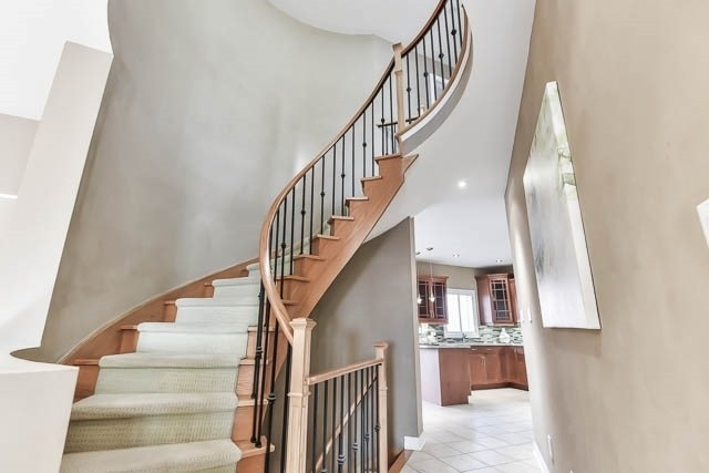 Detached at 133 Orchard Hill Blvd, Markham, Ontario. Image 2
