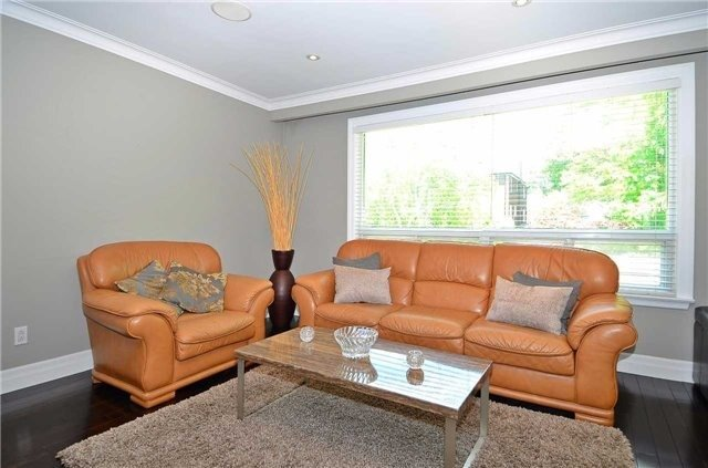 Detached at 282 Gells Rd, Richmond Hill, Ontario. Image 16