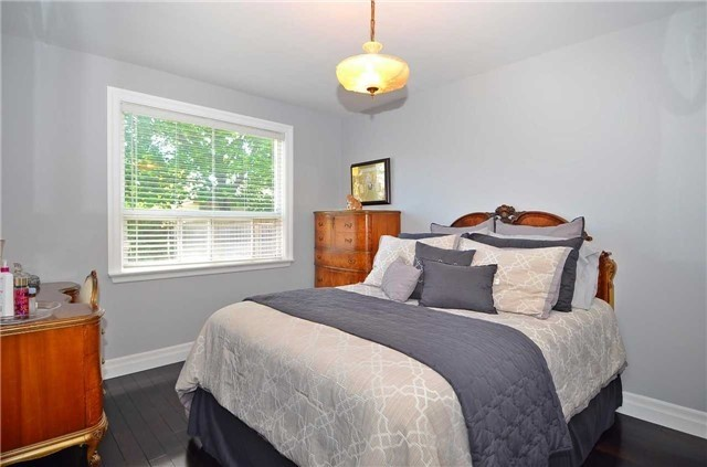 Detached at 282 Gells Rd, Richmond Hill, Ontario. Image 3