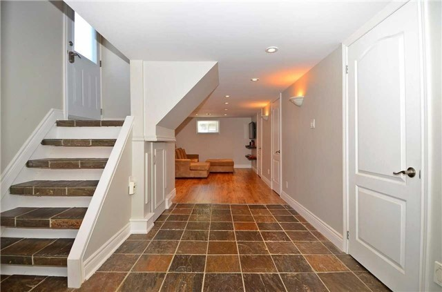 Detached at 282 Gells Rd, Richmond Hill, Ontario. Image 6