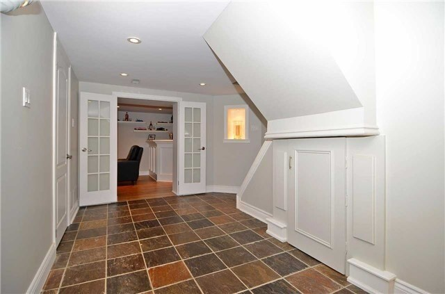 Detached at 282 Gells Rd, Richmond Hill, Ontario. Image 7