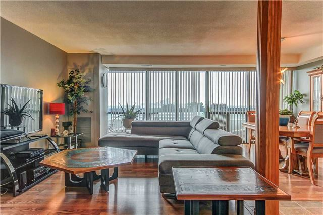 Condo Apartment at 8111 Yonge St, Unit 1611, Markham, Ontario. Image 15