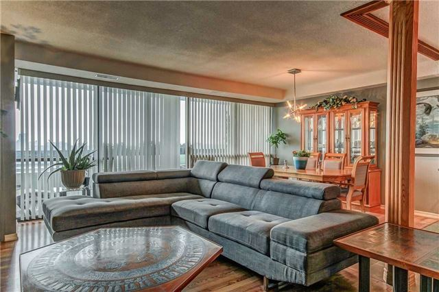 Condo Apartment at 8111 Yonge St, Unit 1611, Markham, Ontario. Image 16