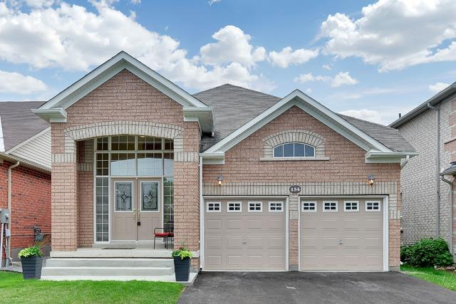 Detached at 154 Donald Stewart Cres, East Gwillimbury, Ontario. Image 1