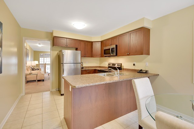Detached at 154 Donald Stewart Cres, East Gwillimbury, Ontario. Image 4