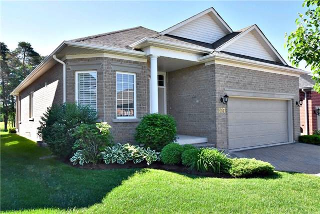 Detached at 327 Babe's Way, Whitchurch-Stouffville, Ontario. Image 12