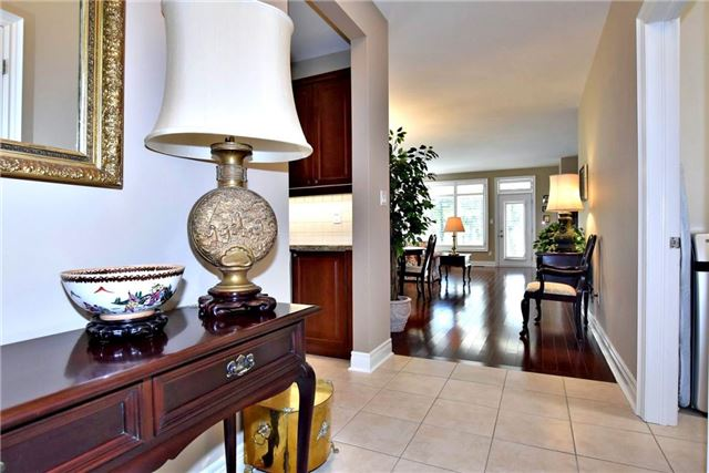 Detached at 327 Babe's Way, Whitchurch-Stouffville, Ontario. Image 14