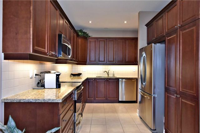 Detached at 327 Babe's Way, Whitchurch-Stouffville, Ontario. Image 19
