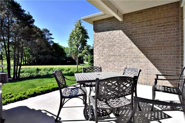 Detached at 327 Babe's Way, Whitchurch-Stouffville, Ontario. Image 10