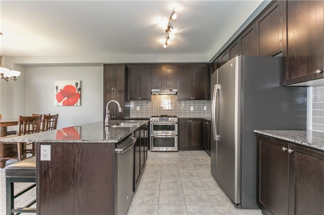 Detached at 1344 Lawson St, Innisfil, Ontario. Image 18