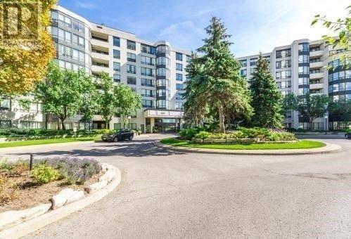 Condo Apartment at 333 Clark Ave, Unit 622, Vaughan, Ontario. Image 1