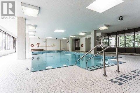 Condo Apartment at 333 Clark Ave, Unit 622, Vaughan, Ontario. Image 7