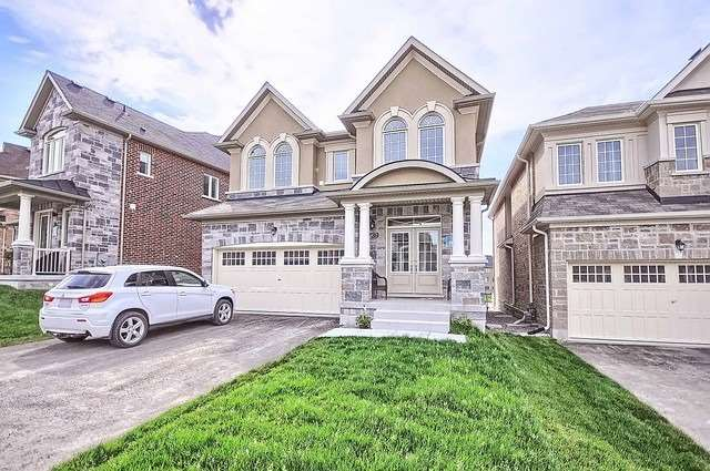 Detached at 739 Clifford Perry Pl, Newmarket, Ontario. Image 1