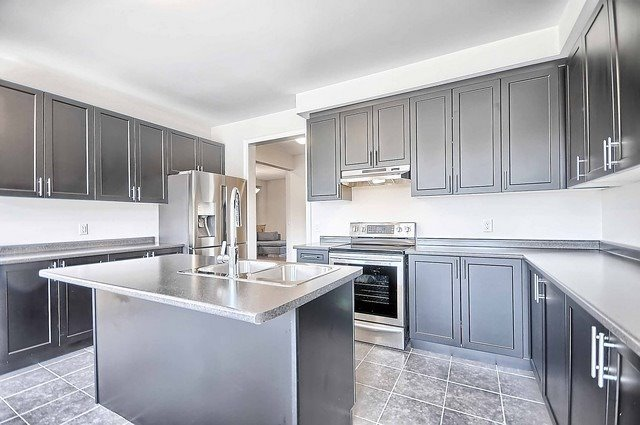 Detached at 739 Clifford Perry Pl, Newmarket, Ontario. Image 15